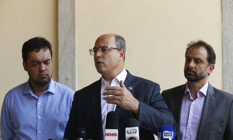 O governador do Rio de Janeiro, Wilson Witzel fala à imprensa após reunião com secretariado no Palácio Guanabara, em Laranjeiras, zona sul da capital fluminense.