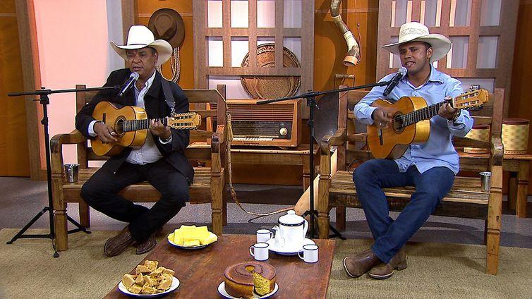 A dupla Paulo & Eduardo solta a voz no Brasil Caipira