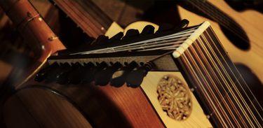 O luthier, além de construir, faz o reparo e regulagem dos instrumentos