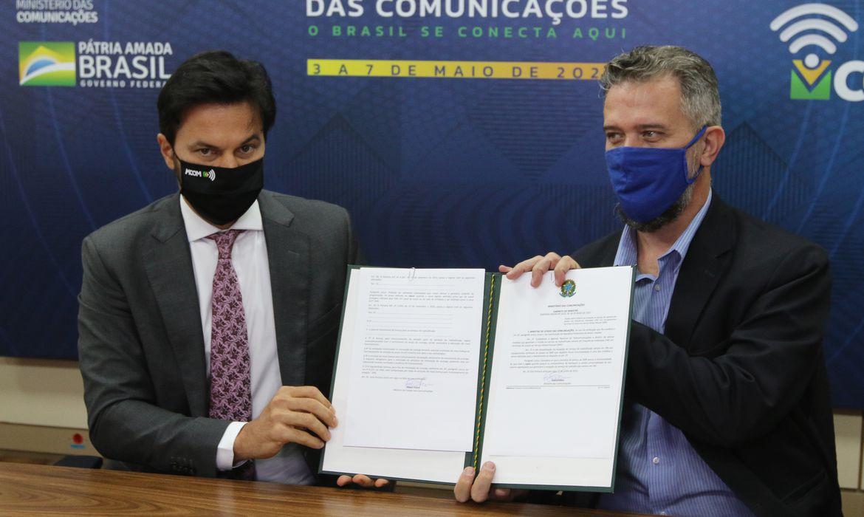 O ministro das Comunicações, Fábio Faria, e o  secretário de Radiodifusão do ministério das comunicações, Maximiliano Martinhão, durante anuncio das  ações e medidas para a radiodifusão.