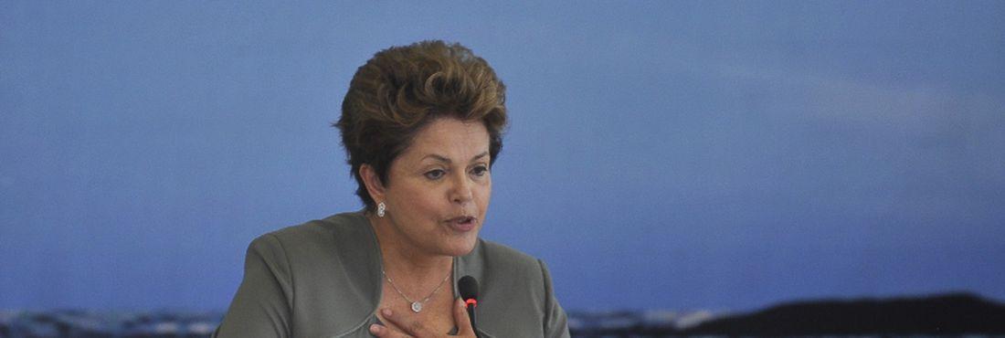 A presidenta Dilma Rousseff durante o lançamento do Plano Safra da Pesca e Aquicultura, no Palácio do Planalto