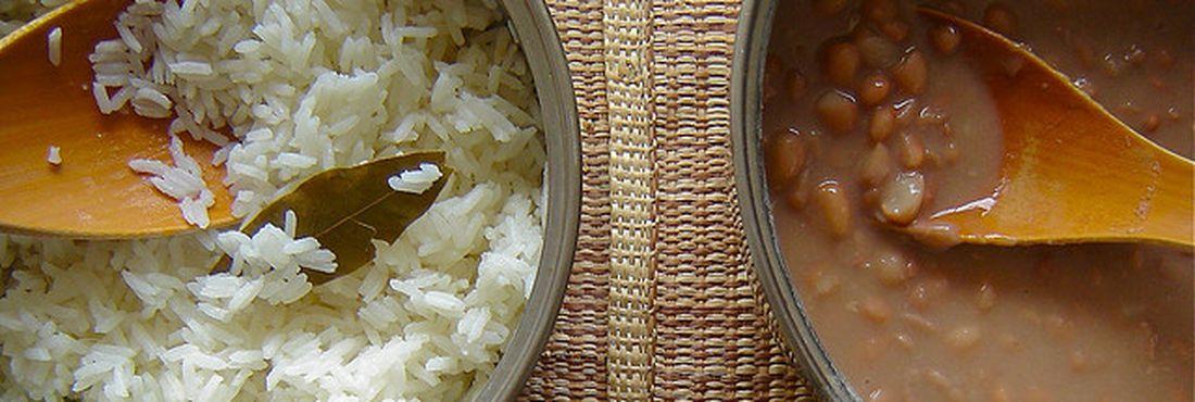 Os itens que mais subiram são: arroz e feijão (de 3,95% para 5,38%).