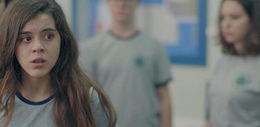 Gabriela está preocupada com a situação do seu amigo no colégio